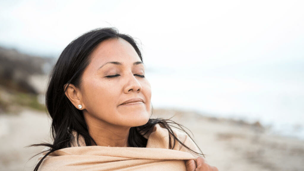 peaceful woman | how to renew your mind